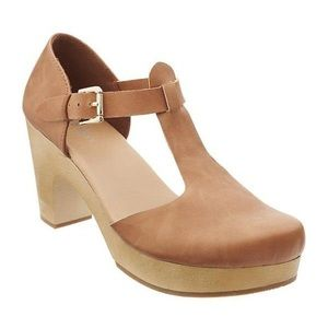 💗 3/$35 💗 T-strap clogs from old navy!